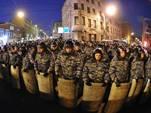 Президент РФ Владимир Путин подписал указ об увеличении штата сотрудников МВД России более чем на 64 тысячи человек.