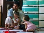 «Отец Вьетнама» усыновил 100 детей, которым грозила смерть до рождения