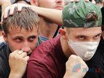 Необычные учения в Луганске – горожане тренировались останавливать врукопашную вооруженных полицаев ОБСЕ.